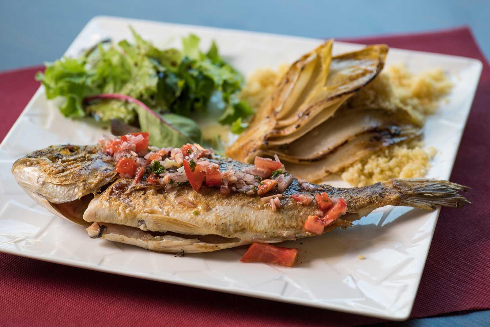 poisson servi à la PLANCHA GOURMANDE, restaurant à PUGNAC